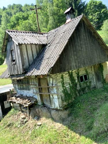 Hiša Podlog - Kulturna rezidenca Podlog pod Bohorjem